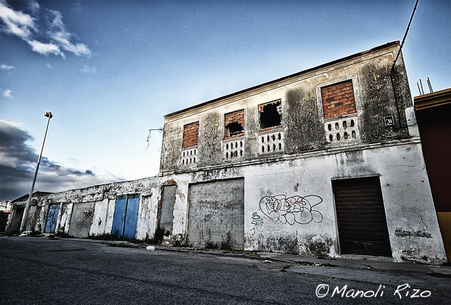 ABANDONADA EN ALGECIRAS | manoli rizo fotografía